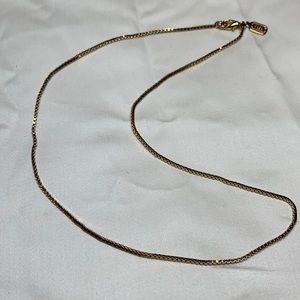 Stunning Jones New York, box chain, goldtone necklace.
